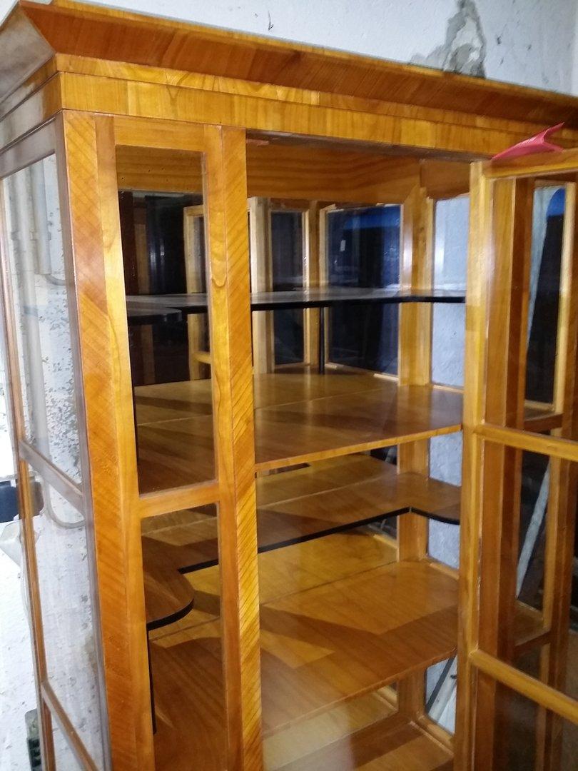 biedermeier stil kirschholz vitrine mit zwischenb den antik m bel antiquit ten alling bei. Black Bedroom Furniture Sets. Home Design Ideas