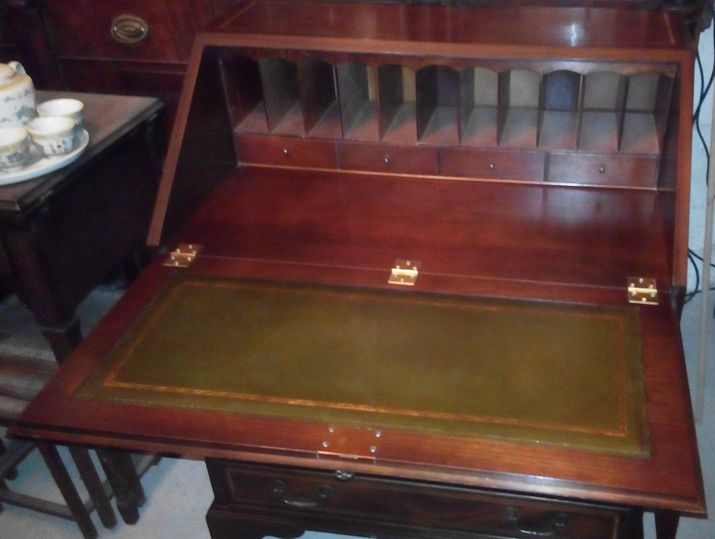 englischer sekret r edwardian style mahagoni furniert in. Black Bedroom Furniture Sets. Home Design Ideas