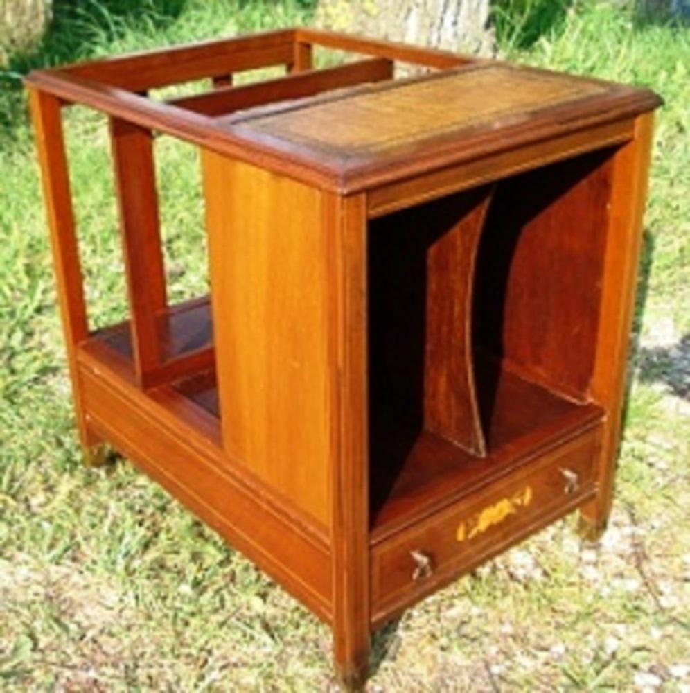 kleiner englischer zeitungsst nder massiv holz mahagoni canterbury antik m bel antiquit ten. Black Bedroom Furniture Sets. Home Design Ideas