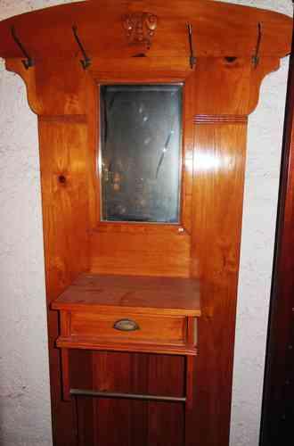 garderoben antik m bel antiquit ten alling bei m nchen zwischen m nchen starnberg. Black Bedroom Furniture Sets. Home Design Ideas