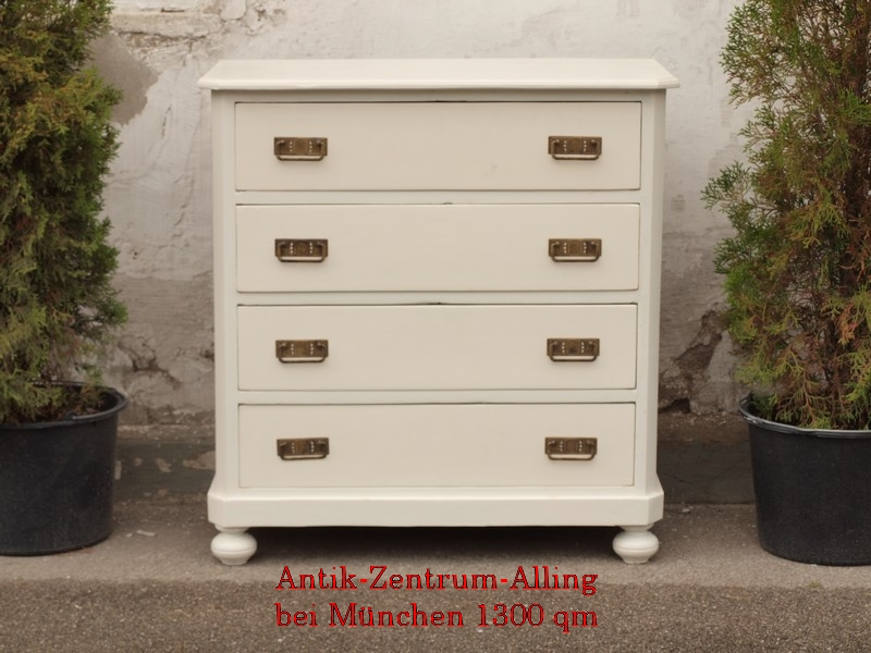 antike weisse shabby chic bauernkommode kiefer massivholz mit 4 schubladen antik m bel. Black Bedroom Furniture Sets. Home Design Ideas