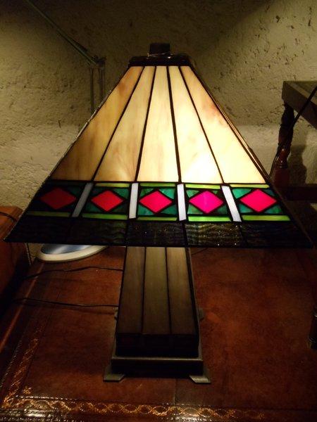Im Stil des Art-Deco Lampe