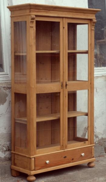 vitrinenschrank vitrine aus fichte 3 seitig verglast 02 antik m bel antiquit ten alling bei. Black Bedroom Furniture Sets. Home Design Ideas
