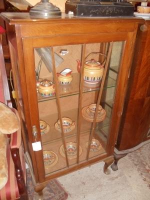 nussbaumvitrine englisch art deco um 1925 antik m bel antiquit ten alling bei m nchen zwischen. Black Bedroom Furniture Sets. Home Design Ideas