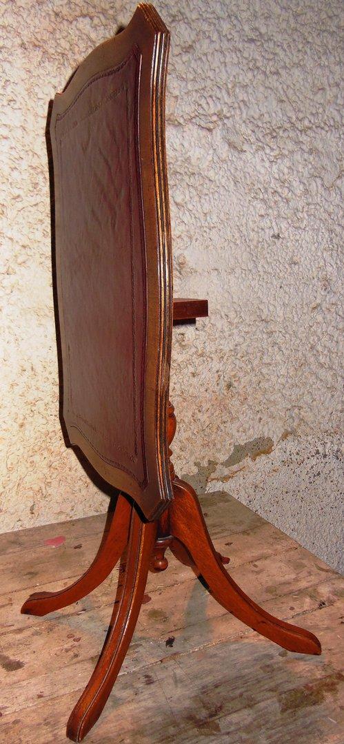 beistelltischchen edwardian stil englischer beistelltisch mit leder antik m bel antiquit ten. Black Bedroom Furniture Sets. Home Design Ideas