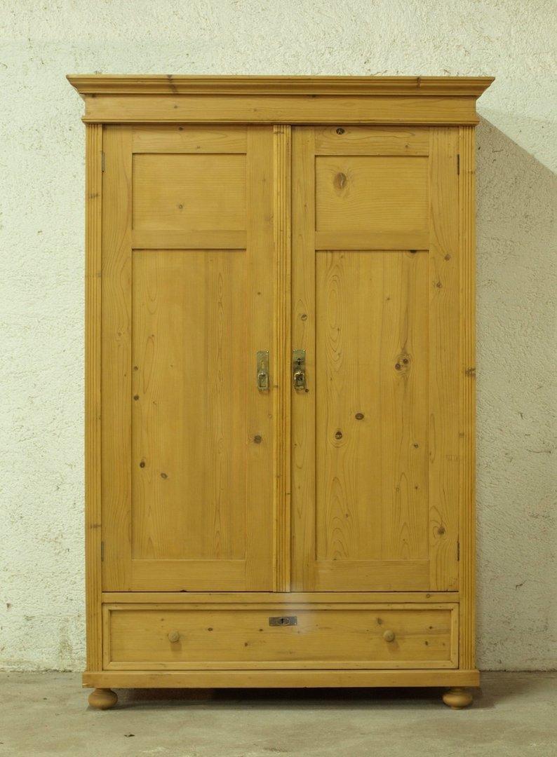 kleiderschrank bauernschrank fichtenschrank antik antik. Black Bedroom Furniture Sets. Home Design Ideas