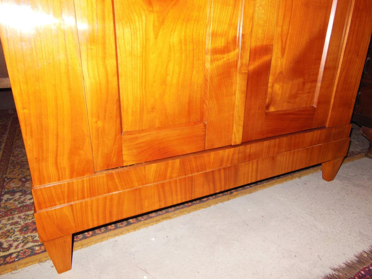 biedermeierschrank kirschbaum schrank kirschholzfurniert um 1820 30 antik m bel antiquit ten. Black Bedroom Furniture Sets. Home Design Ideas
