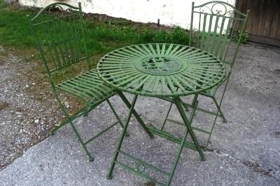 Grüne Gartentisch Gruppe Tisch und 2 Stühle
