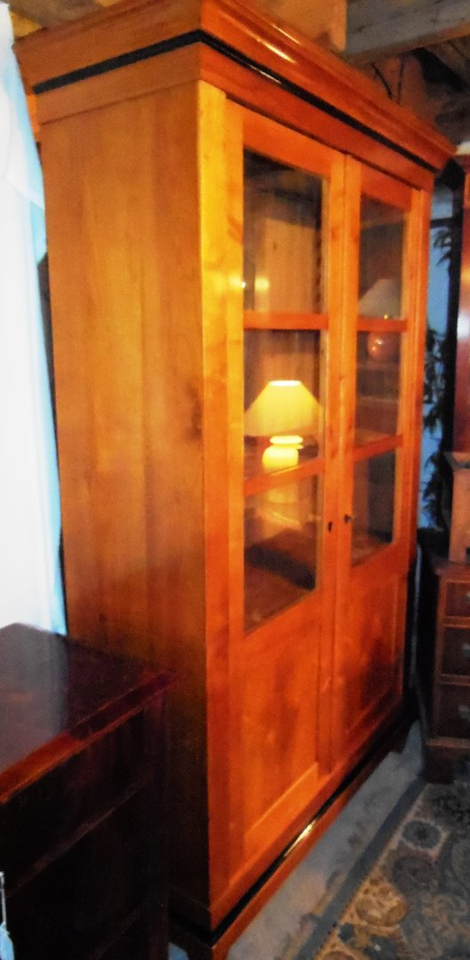 biedermeier b cherschrank kirschfurniert um 1840 antik m bel antiquit ten alling bei m nchen. Black Bedroom Furniture Sets. Home Design Ideas