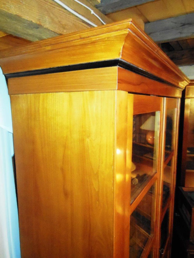 biedermeier b cherschrank kirschfurniert um 1840 antik m bel antiquit ten alling bei m nchen. Black Bedroom Furniture Sets. Home Design Ideas