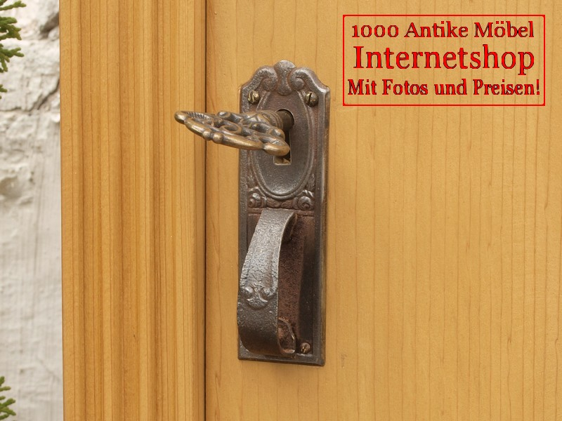 Alter antiker Schrank Bauernschrank Schuhschrank in Fichte massiv ...