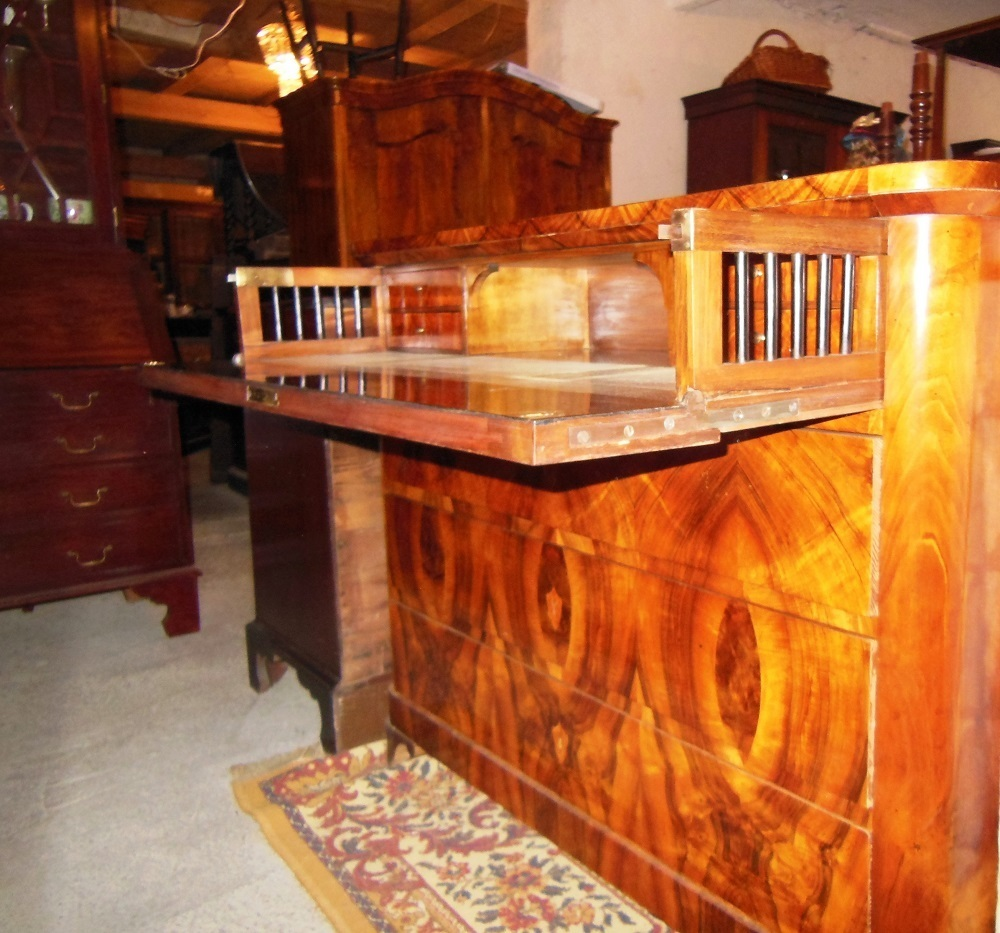 biedermeier schlosskommode bzw sekret r nussbaum wurzelholz um 1830 antik m bel antiquit ten. Black Bedroom Furniture Sets. Home Design Ideas