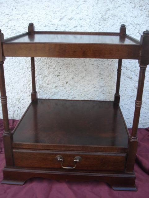 Kleiner Beistelltisch Couchtisch Mahagoni  Antik Möbel