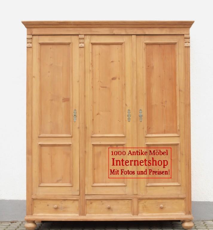 Alter antiker Kleiderschrank Bauernschrank 3 türig - Antik Möbel ...