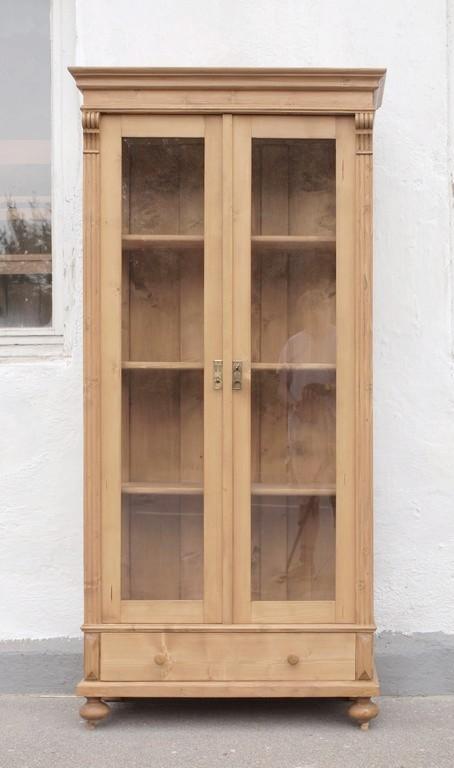 b uerliche vitrine massivholzm bel fichte bauernm bel vitrinenschrank nachbau neuanfertigung. Black Bedroom Furniture Sets. Home Design Ideas