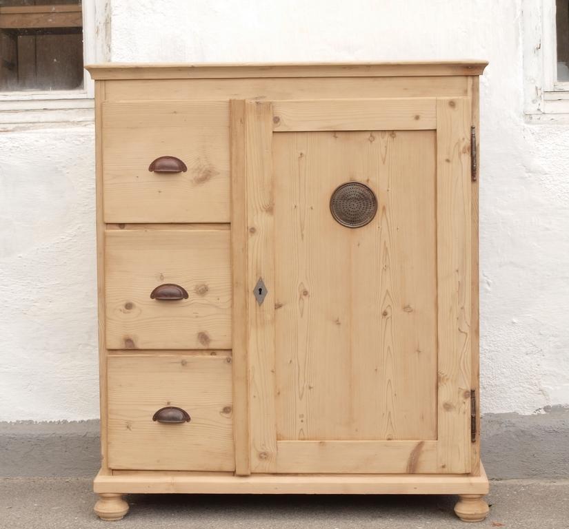 alter antiker brotschrank almer k chenschrank massivholzm bel fichtenholz antik m bel. Black Bedroom Furniture Sets. Home Design Ideas