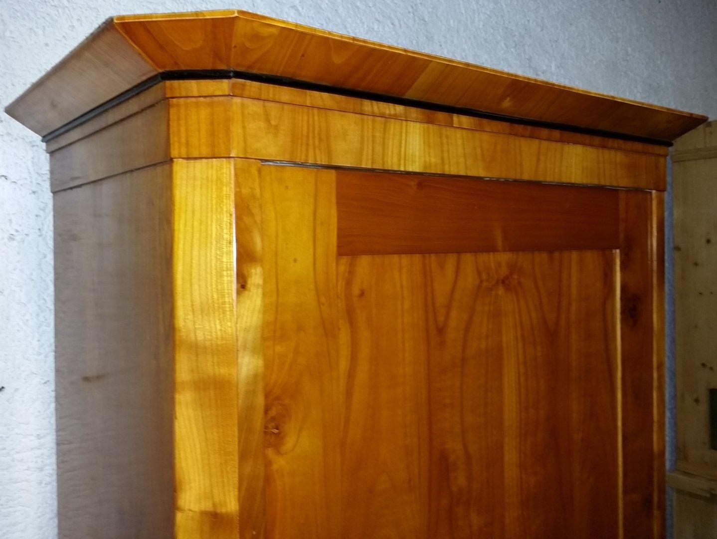 kleiner eint riger biedermeier kirschholzschrank um 1840 antik m bel antiquit ten alling bei. Black Bedroom Furniture Sets. Home Design Ideas