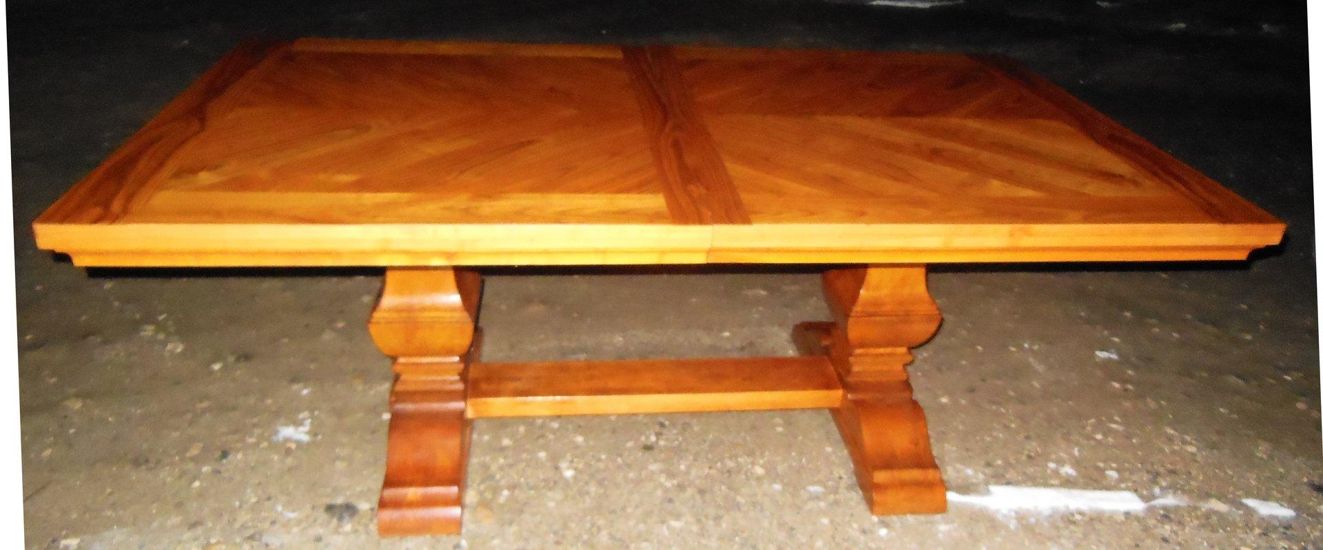 Konferenztisch sehr grosser esstisch kirschholz for Esstisch kirschholz