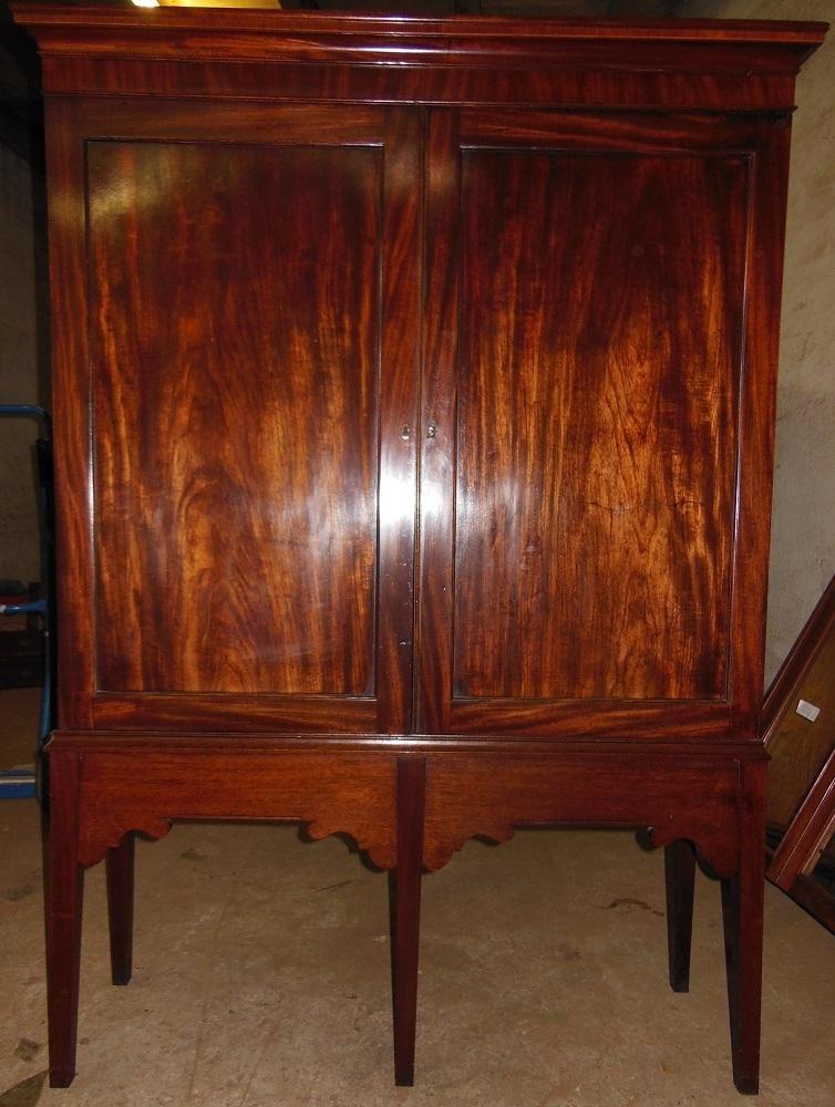 Mahagoni b cherschrank georgian aus 18 jahrhundert for Sessel 18 jahrhundert