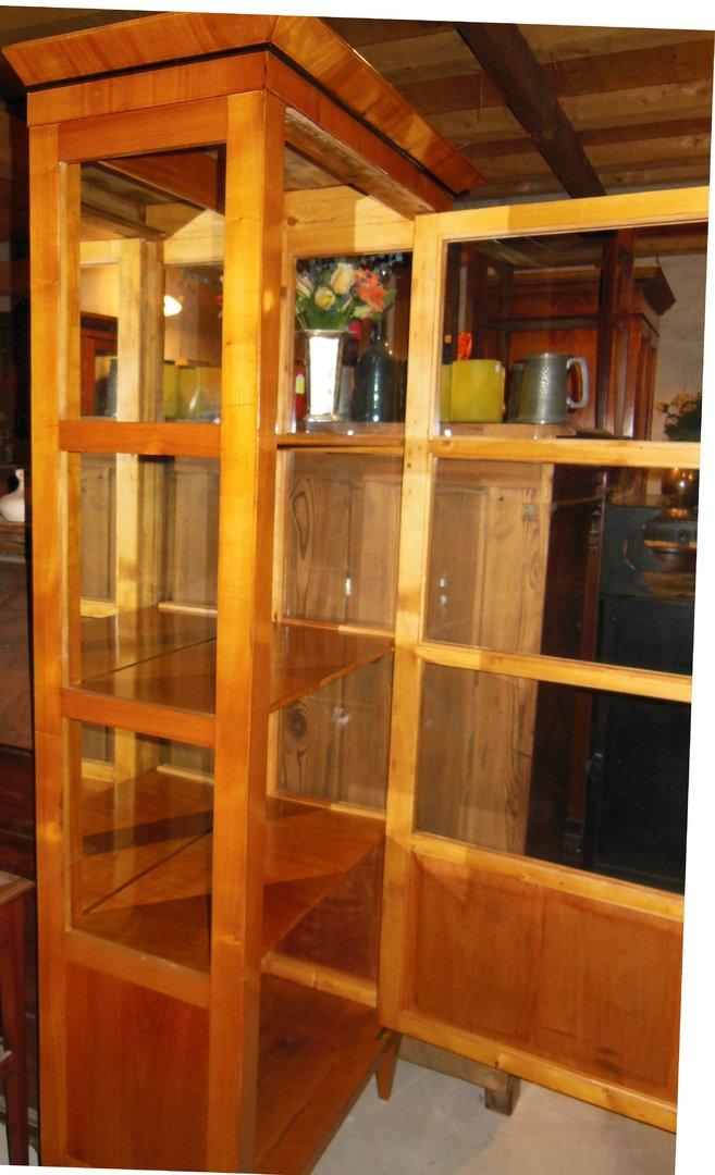 schmale kirschholz vitrine biedermeier stil antik m bel antiquit ten alling bei m nchen. Black Bedroom Furniture Sets. Home Design Ideas
