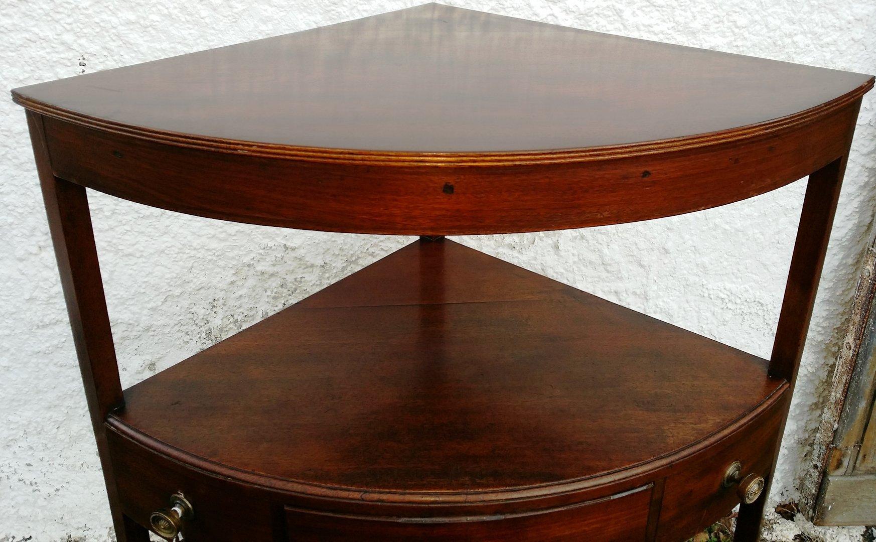 Kleiner dekorativer ecktisch englischer tisch 19 for Ecktisch klein