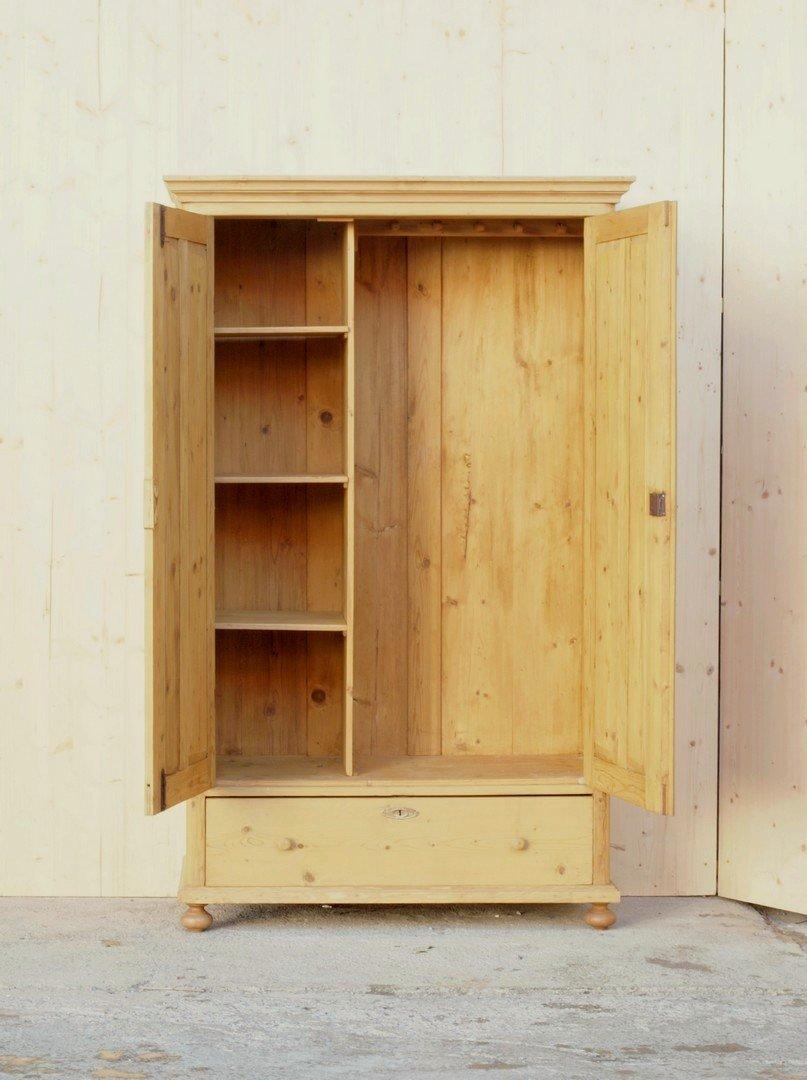 alter antiker bauernschrank restauriertes bauernm bel fichte. Black Bedroom Furniture Sets. Home Design Ideas