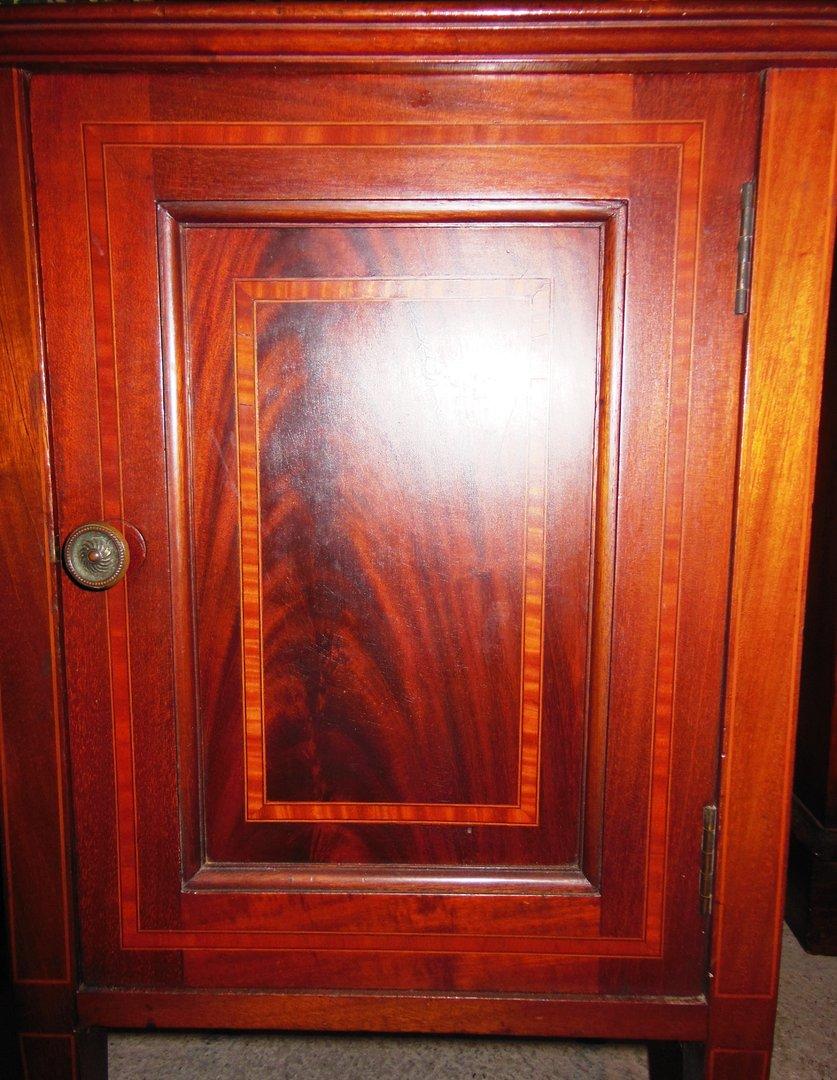 kleines kasterl nachttischchen massivholz mahagoni massiv intarsiert jugendstil um 1900 10. Black Bedroom Furniture Sets. Home Design Ideas