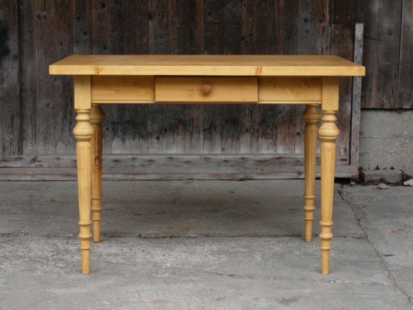 esstisch tisch massivholz fichte 120 x 80 cm mit gedrechselten beinen neuanfertigung antik. Black Bedroom Furniture Sets. Home Design Ideas
