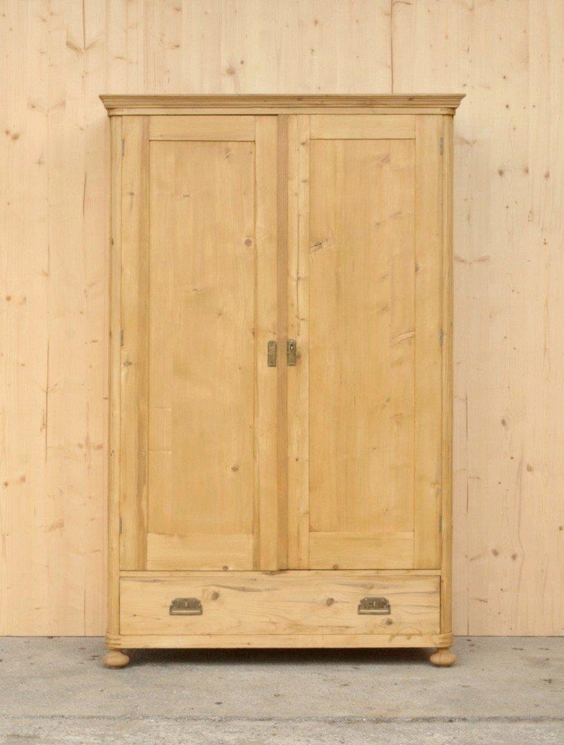 Alter antiker Kleiderschrank mit 2 Türen und einer Schublade