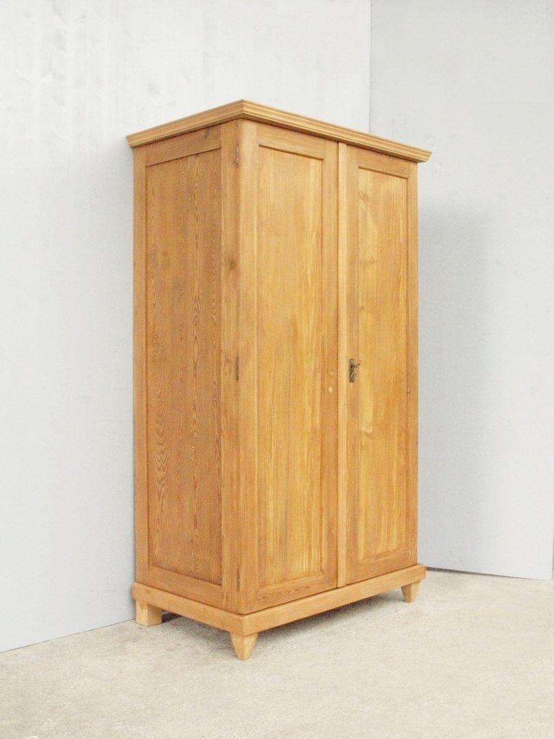 alter antiker kleiderschrank w scheschrank mit 2 t ren komplett zerlegbar antik m bel. Black Bedroom Furniture Sets. Home Design Ideas