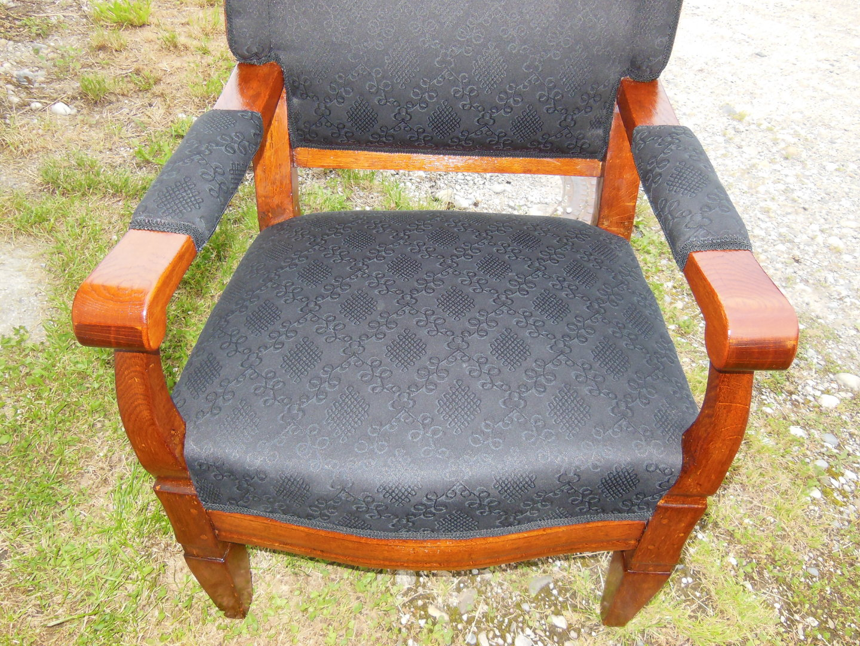 Ohrenbackensessel 18 jahrhundert neu bezogen antik for Sessel 18 jahrhundert