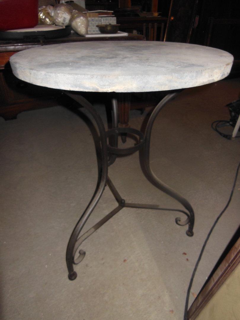 beistelltisch kleiner tisch mit steinplatte durchmesser 60 erm ssigter preis antik m bel. Black Bedroom Furniture Sets. Home Design Ideas