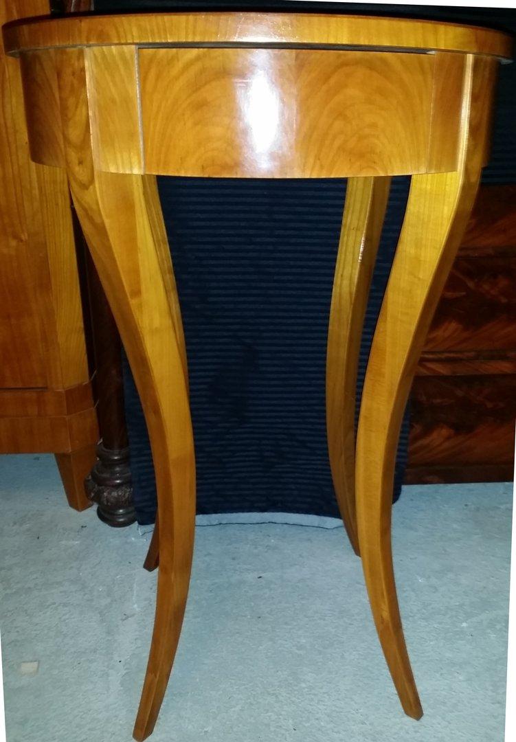 ovaler biedermeier art beistelltisch kirschbaum furniert antik m bel antiquit ten alling bei. Black Bedroom Furniture Sets. Home Design Ideas