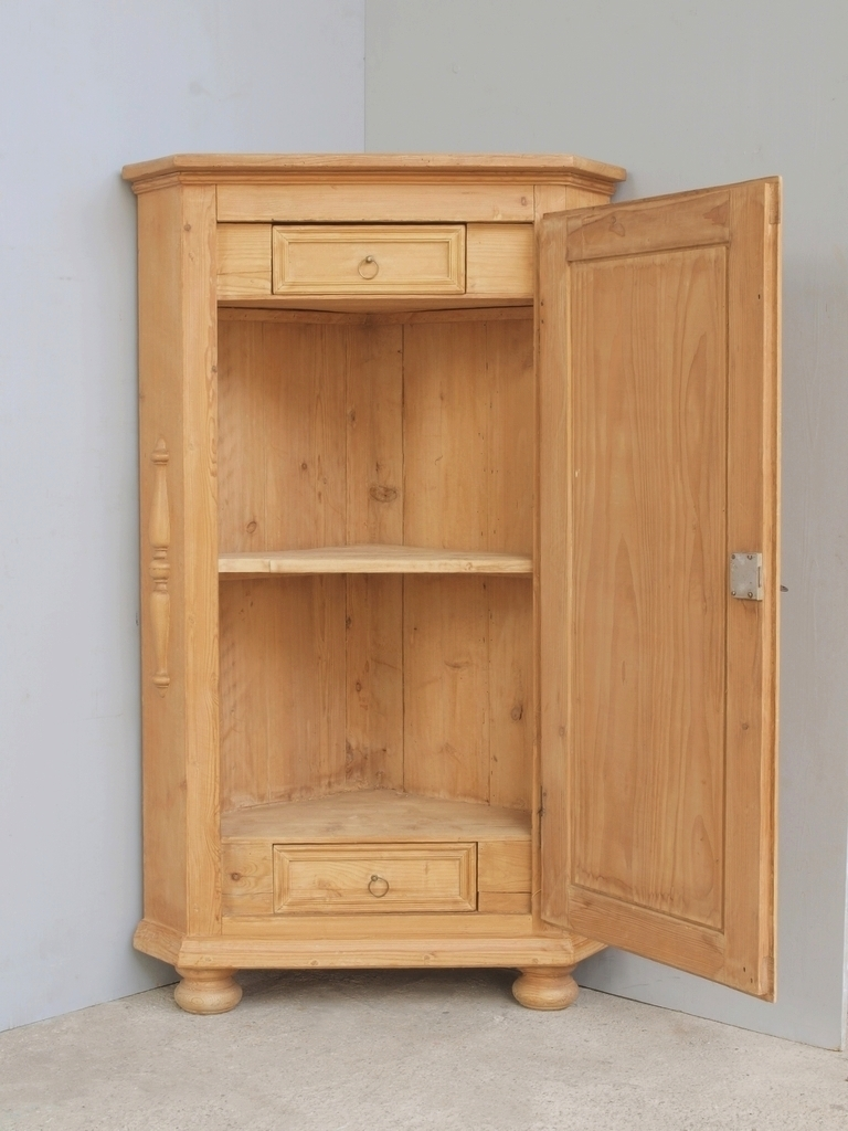 alter antiker schmaler eckschrank bauernschrank gro e auswahl. Black Bedroom Furniture Sets. Home Design Ideas