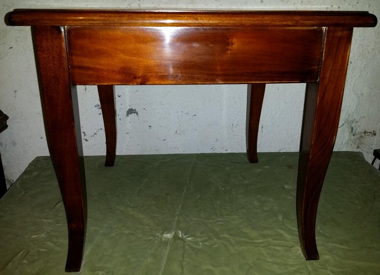 Nussbaum Couchtisch Quadratisch Antike Möbel Und Beschläge