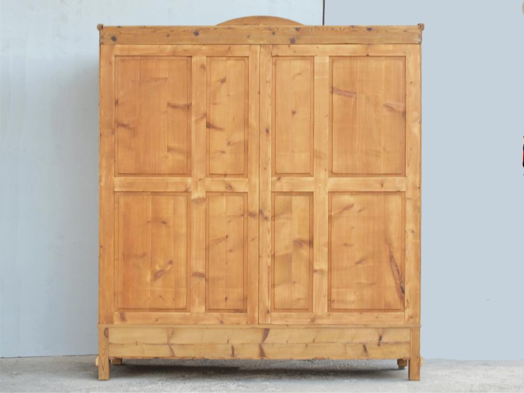 alter antiker 3 t riger kleiderschrank bauernschrank. Black Bedroom Furniture Sets. Home Design Ideas