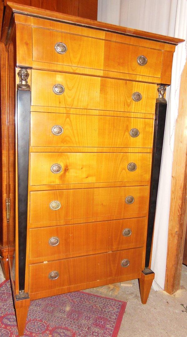 kirschholz furnierte biedermeier kommode siebenschub kommode antik m bel antiquit ten alling. Black Bedroom Furniture Sets. Home Design Ideas