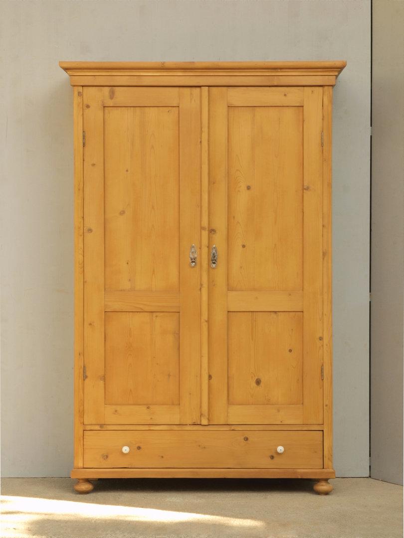 Alter antiker 2türiger Kleiderschrank Bauernmöbel Massivholz