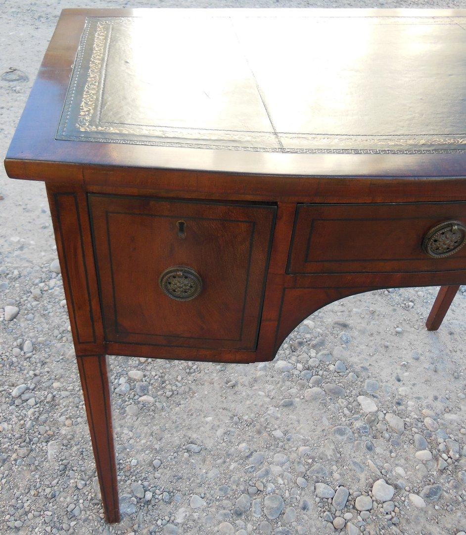 kleiner eiben schreibtisch englischer schreibtisch um 1910 20 antik m bel antiquit ten alling. Black Bedroom Furniture Sets. Home Design Ideas