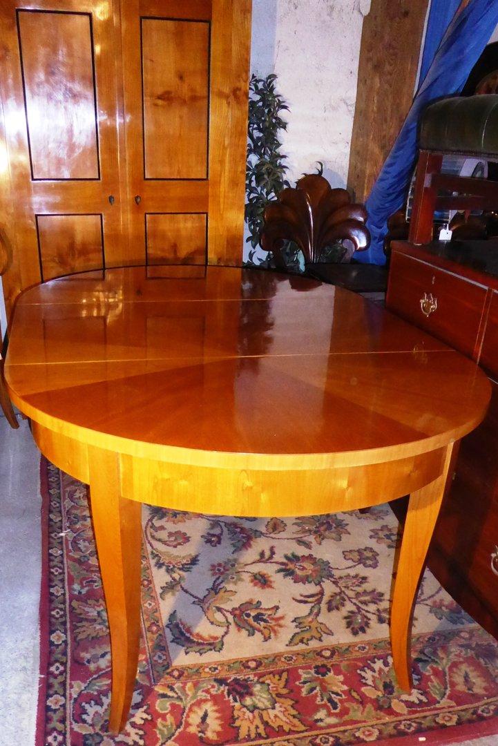 biedermeier art tisch von bester qualit t kirschholz furnierter tisch biedermeier art antik. Black Bedroom Furniture Sets. Home Design Ideas