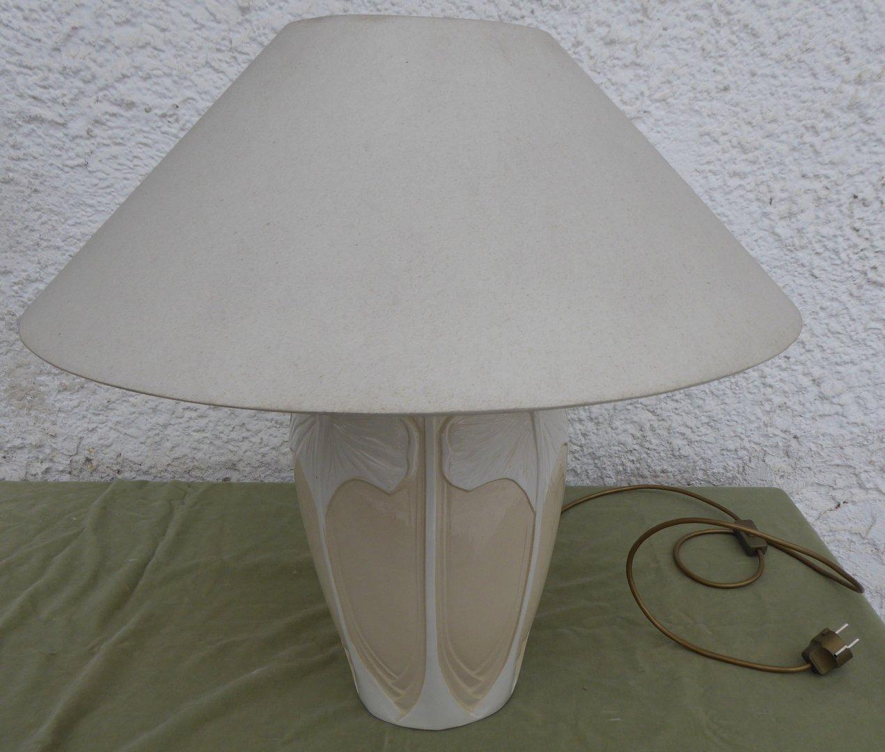 Lampe Im Stil Des Jugendstils Mit Schirm