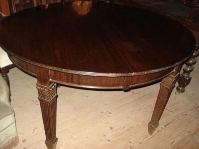 Englischer ovaler Mahagoni Tisch Jugendstil Tisch massiv um 1890