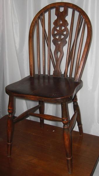 Diverse Windsor Stühle alt