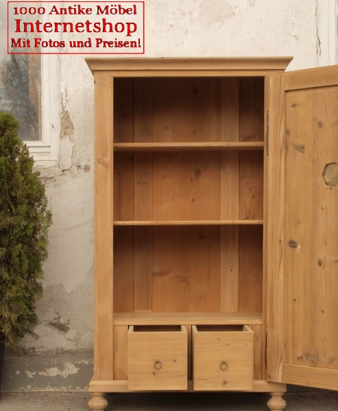 kleiner alter antiker w scheschrank kleiderschrank fichte. Black Bedroom Furniture Sets. Home Design Ideas