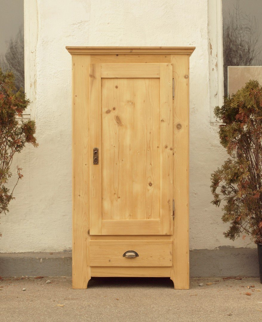 Kommode schmal antik  Kleiderschrank antik schmaler eintüriger Bauerschrank Weichholz ...