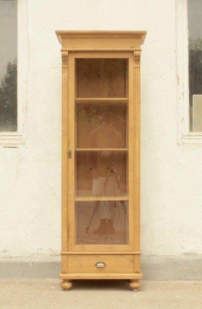 Vitrine im Gründerzeitstil aus altem Holz gefertigt ...