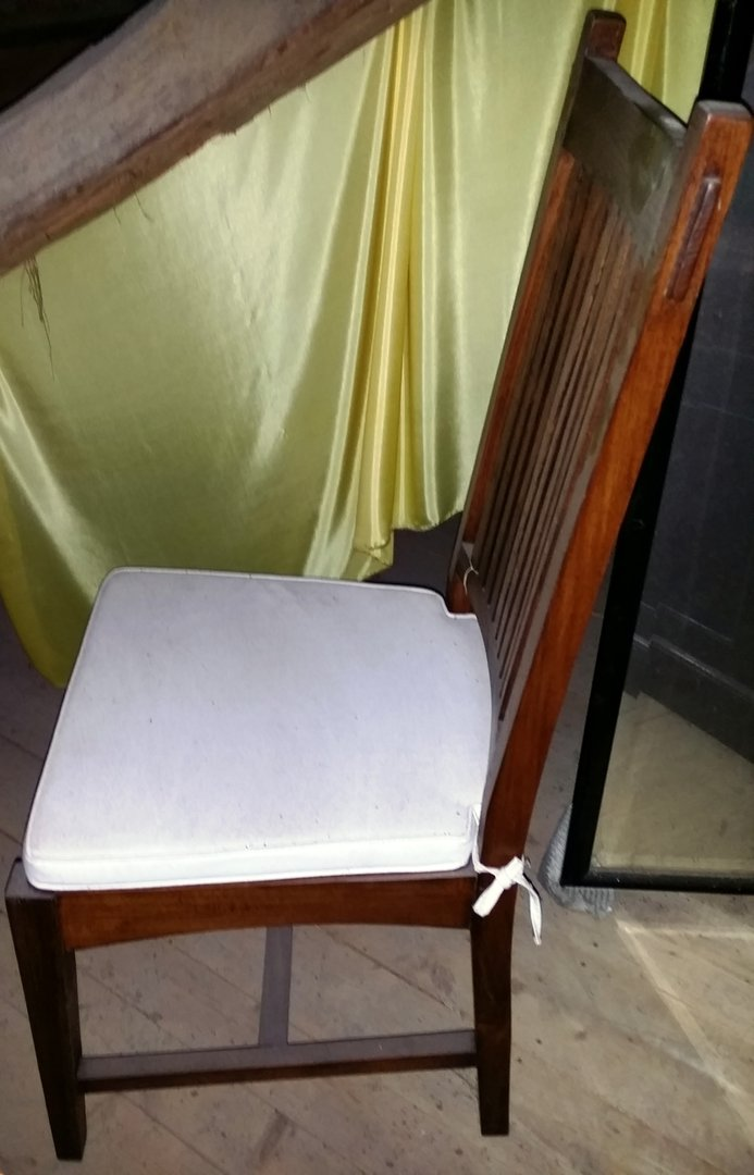 esstisch stuhl teakstuhl mit polster einzelstuhl antik m bel antiquit ten alling bei m nchen. Black Bedroom Furniture Sets. Home Design Ideas